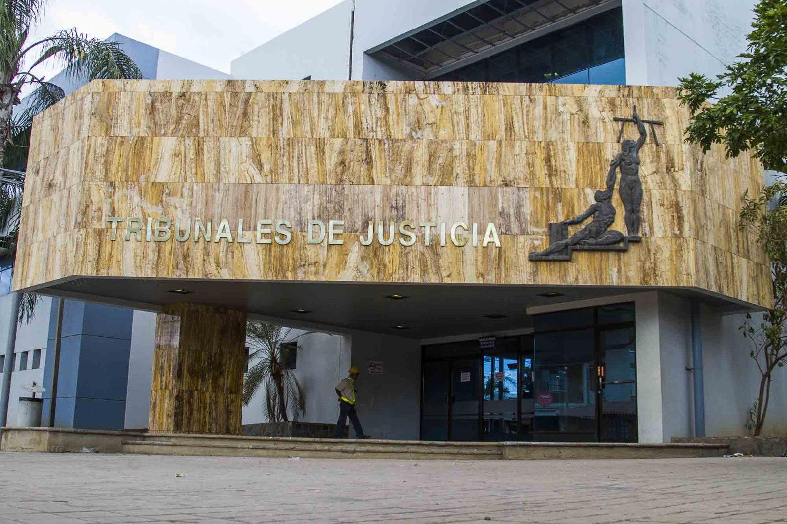 Resultado de imagen para tribunales de justicia en santa cruz