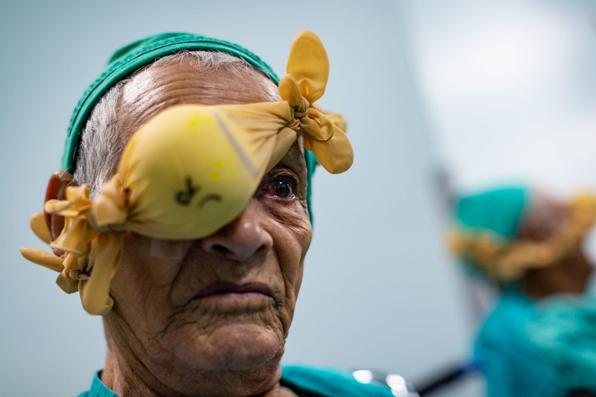 Bernardo Salazar es vecino de Hojancha y tiene 88 años. Desde Semana Santa del 2018 espera la intervención quirúrgica que hoy le harán médicos estadounidenses