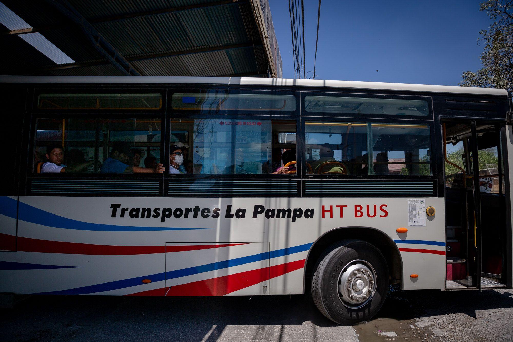 Los horarios pueden variar según la cantidad de personas que viajen en los buses y si hay bloqueos dentro de la ruta.